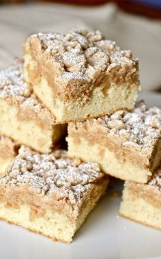 Your search for the perfect New York-style crumb cake is over. THIS is the only recipe you'll ever need! With big crumbs and soft, buttery cake, this crumb cake will become an old family favorite in no time. New York Crumb Cake Recipe, Easy Crumb Cake Recipe, Biscotti, Crumb Coffee Cakes, Coffee Cupcakes, Crumb Cakes, Coffe Cake, Dessert Crepes, Pie Recipes