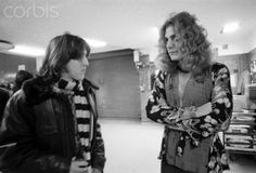 Young Cameron Crowe  speaking with Robert Plant