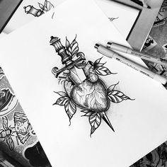 Arte feita pela tatuadora Melissa Garcia (melissagarciatattoo) de São Paulo.    Desenho de coração atingido por adaga. Dot Tattoos, Weird Tattoos, Flower Tattoos, Body Art Tattoos, Tattoo Sketches, Tattoo Drawings, Art Drawings, Tattoo Flash Sheet, Dessin Tattoo
