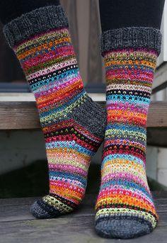 Knitting Patterns Mittens Ravelry: JennyF's Music to my eyes Crochet Socks, Knitting Socks, Hand Knitting, Knit Crochet, Knit Socks, Knitted Socks Free Pattern, Ravelry, Cute Socks, Red Socks