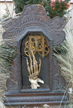 Hands of Time gravestone