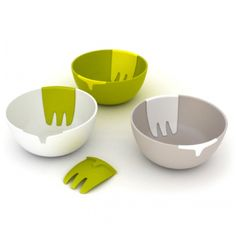 Hands on Salad Bowl + Server | Designer: Joseph Joseph & Pengelly - http://www.pengellydesign.com