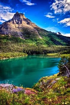 Glacier National Park, Montana, United States of America So beautiful! I keep seeing stuff about Glacier National Park. Places Around The World, The Places Youll Go, Places To See, Beautiful Places In The World, Beautiful Scenery, Beautiful Landscapes, Beautiful Flowers, Dream Vacations, Vacation Spots