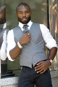 KLG *waistcoat op een andere manier --> dandy look (TR) Hot picture Mode Masculine, Sharp Dressed Man, Well Dressed Men, Dandy Look, Look Man, Hommes Sexy, Suit And Tie, Gentleman Style, Looks Style