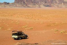 Jordan, the beautiful orange desert :) Jordania, el desierto anaranjado de Medio Oriente