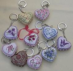 charms for Emrboiderers Guild to make ? from Petits coeurs 3D - Les chroniques de Frimousse
