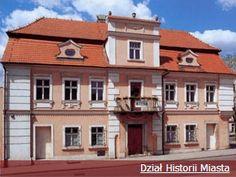 Museum of Ceramics in Bolesławiec Polish Pottery, Ceramics, Mansions, House Styles, Poland, Travel Destinations, Europe, History, Home Decor
