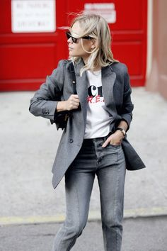 06b04d6f9238c9 5 Edgy Graphic Tee And Denim Looks To Copy Now (The Edit)