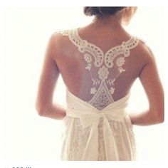 Lacy wedding dresses <3