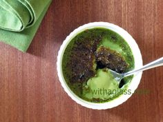 Light Matcha Crème Brûlée – With a Glass Tea Recipes, Asian Recipes, Cooking Recipes, Ethnic Recipes, Creme Brulee Ingredients, Green Tea Ice Cream, Japanese Tea Ceremony, Green Powder, Greens Recipe
