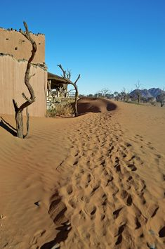 One of the most luxurious stays you can have in Namibia is at Little Kulala - surrounded bt beautiful desert and some of the world's highest sand dunes. Africa Travel, Us Travel, Places To Travel, Places To Go, Abandoned Houses, Abandoned Places, Steampunk City, Beautiful Places, Beautiful Pictures