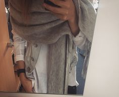 WHITE! #Scarf #applewatch #jeans # springcombination #fashion # Style #streetstyle