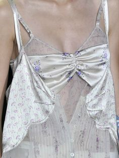 Roberto Cavalli in spring Runway Fashion, High Fashion, Womens Fashion, In Loco, Fashion Details, Fashion Design, Catwalk, Cool Outfits, Women Wear
