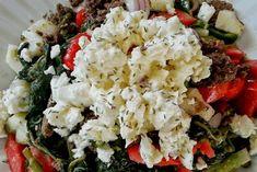 Το καλοκαιράκι μου αρέσουν οι σαλάτες... και βέβαια τις φτιάχνω με ό,τι έχω στο…