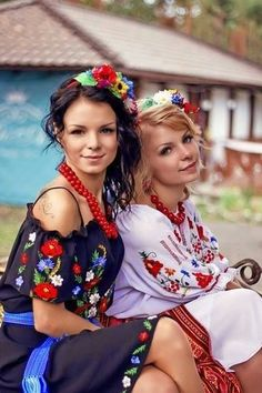 Because the Beauty of our White women must not perish from the Earth - Page 69 Ukraine Women, Ukraine Girls, Russia Ukraine, Costumes Around The World, Ethno Style, Culture Clothing, Pretty Babe, Russian Culture, Military Women
