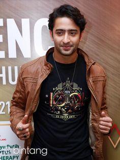 Bollywood Actors, Bollywood Fashion, Tv Actors, Actors & Actresses, Cute Celebrities, Celebs, Radha Krishna Love Quotes, Shaheer Sheikh, I Still Love Him
