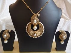 Kundan Pearl Set-Jewellery-Dhaanya