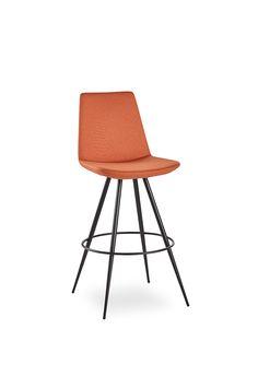 #seating #scandinaviandesign #peraretrobar #stool #BnTdesign #interiordesign #officedesign #furniture #furnituredesign #wellmade #welldesigned
