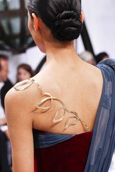 Schiaparelli Fall 2016 Couture Accessories Photos - Vogue