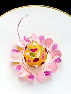 Peach dessert by chef Noriyuki Hamada of Bleston Court Yukawatan from Japan © Richard Haughton Mini Desserts, Plated Desserts, French Desserts, Weight Watcher Desserts, Food Design, Plate Presentation, Low Carb Dessert, Beautiful Desserts, Food Decoration