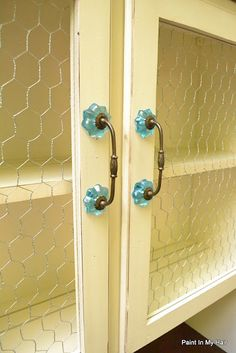 Chicken wire and absolutely the best handles!