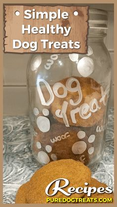Rather of using white flour in your pet dog cookies or any other homemade canine food, you can use whole grains like quinoa, oats and brown rice instead. Easy Dog Treat Recipes, Healthy Dog Treats, Dog Food Recipes, Doggie Treats, Food Tips, Homemade Dog Cookies, Homemade Dog Food, Dog Biscuit Recipes, Dog Diet
