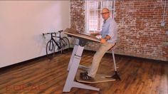Дизайнерский рабочий стол с сомнительной эргономикой (видео)