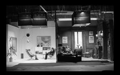 """If the split screen dialog between Woody Allen and Diane Keaton in 'Annie Hall' (1978) seems perfectly timed, of masterful cadence, that is because it was filmed in the same take, the actors next to each other. They built two adjacent therapists' offices for this. Allen, of course, could have spliced the disparate takes into one, but the organic, however inefficient, way of doing this aids the subtly."""