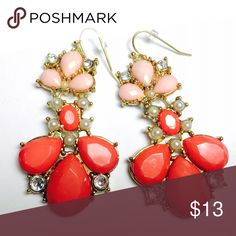 Gorgeous Statement Earrings in Coral This beautiful pair of coral earrings will make any outfit stand out. Black Dress, White Blouse, you name it. You'll be the center of attention! ‼️ MORE GORGEOUS EARRINGS COMING SOON. ‼️ Jeza Jewelry Earrings
