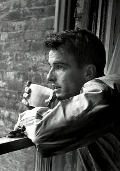 "Montgomery Clift by Stanley Kubrick, 1949 Robert Lewis, Clift's teacher at the Actors Studio""the longest suicide in Hollywood's history "" Old Hollywood Stars, Old Hollywood Movies, Hollywood Actor, Golden Age Of Hollywood, Classic Hollywood, Vintage Hollywood, Hollywood Icons, Montgomery Clift, Divas"