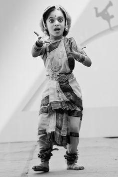 ClassicalDance-2926 Indian Classical Dance, Indiana, Samurai, Black And White, Photos, Inspiration, Biblical Inspiration, Pictures, Black N White