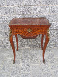 Tavolino Basso Antico.10 Fantastiche Immagini Su Tavolini Antichi Tavolini