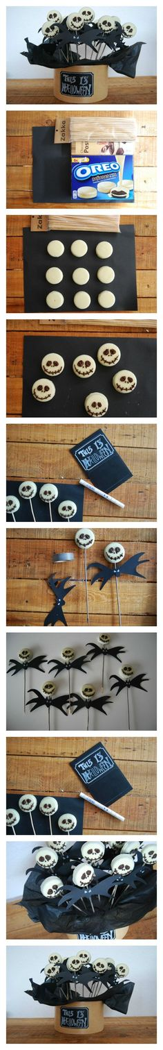 carterie, pergamano et tableaux - Page 2 Halloween food recipes - Easy Jack Skellington cookie pop from an Oreo Cookie Halloween Desserts, Postres Halloween, Recetas Halloween, Fröhliches Halloween, Adornos Halloween, Manualidades Halloween, Halloween Goodies, Halloween Food For Party, Halloween Birthday