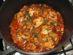 Pui taranesc - imagine 1 mare Baby Food Recipes, New Recipes, Chicken Recipes, Cooking Recipes, Bacon Wrapped Potatoes, Romania Food, Healthy Cooking, Soul Food, Food Inspiration