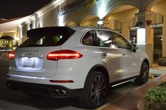 The Porsche Cayenne shows not only the great luxury design but also the great performance.