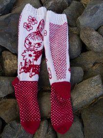 Tanssivat Puikot: Pikku Myy Beginner Knitting Patterns, Knitting Paterns, Knitting Socks, Knit Patterns, Knitting Projects, Hand Knitting, Crochet Scarves, Knit Crochet, Wool Socks
