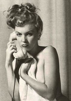 Marilyn. Photo by Earl Moran, c. 1949.