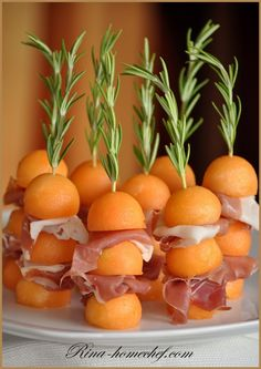 Wedding Food Ideas: Melon Ham Rosemary Skewers - http://www.diyweddingsmag.com/wedding-food-ideas-melon-ham-rosemary-skewers/