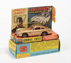 Corgi Toys, James Bond Aston Martin, England, diecast, original box