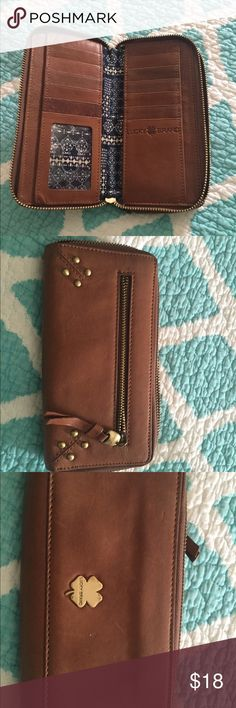 Lucky brand wallet Perfect condition a lucky brand wallet . Missing tassel shown in pic .🎉🎉👍👍 Lucky Brand Bags Wallets