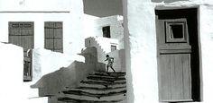 Henri Cartier-Bresson Nacido en Chanteloup (Francia) el año 1908 en el seno de una familia de clase media emprende sus estudios de pi...