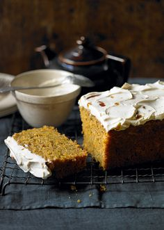 Carrot and poppy seed cake