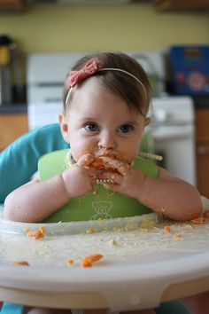 Baby-led weaning: steamed carrots and hummus | six months