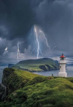 Mykinesbygd, Faroe Islands - by Brent Shavnore Lighthouse Lighting, Lighthouse Pictures, Lighthouse Art, Lighthouse Keeper, Photos Originales, Am Meer, Faroe Islands, Amazing Nature, Beautiful Landscapes