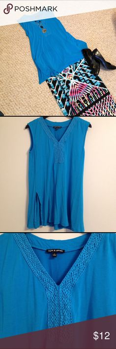 🆕 Listing! Pretty Turquoise Tunic EUC Cable & Gauge turquoise V-neck tunic.  Side slots and a pretty same-colored lace trim around the neck.  Pretty and versatile! Cable & Gauge Tops Tunics
