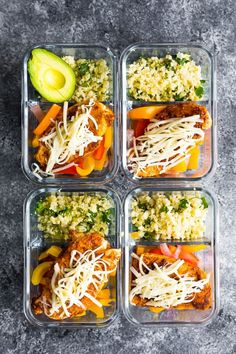 Santa Fe chicken low carb meal prep has cilantro lime cauliflower rice and bell peppers topped with seasoned chicken breast and cheese! 8 g net carbs and 25 g protein to keep you full. via Sweet Peas & Saffron Sunday Meal Prep, Lunch Meal Prep, Meal Prep Bowls, Easy Meal Prep, Healthy Meal Prep, Easy Meals, Healthy Recipes, Lunch Recipes, Low Carb Recipes