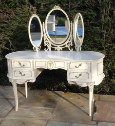 FRENCH LOUIS STYLE CHATEAU VINTAGE DRESSING TABLE SHABBY CHIC BEAUTIFUL ITEM | eBay