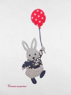 Appliqué thermocollant Petit lapin fugueur marine et rouge : Autres pièces pour créations par comme-un-poeme
