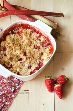 Crumble de ruibarbo y fresas