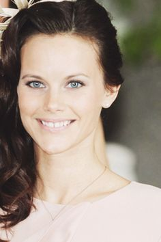Sofia Hellqvist - People are waiting for an announcement of her engagement to Prince Carl Philip